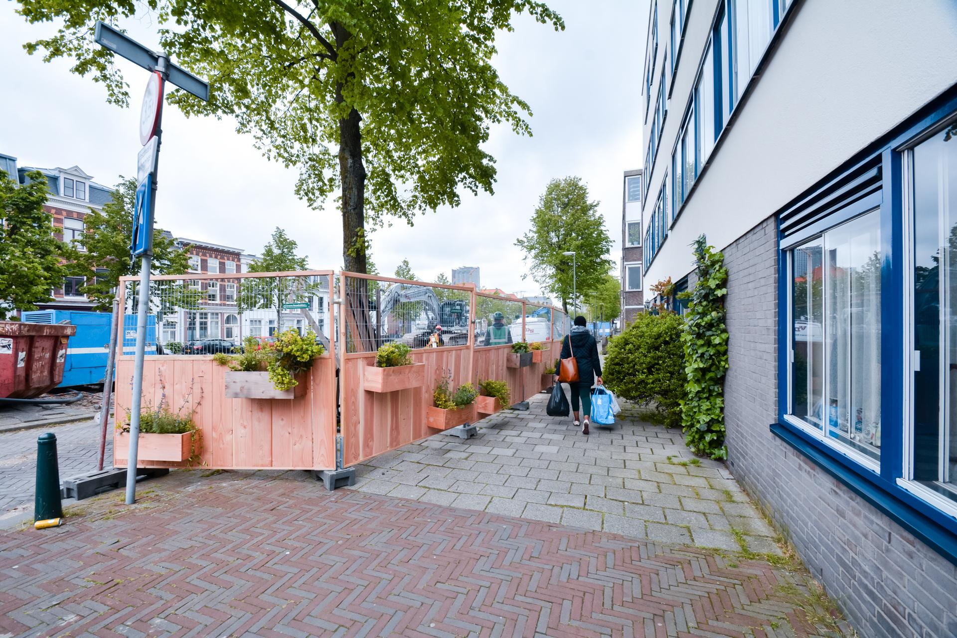 Groene Bouwhekken aan het Groenewegje in Den Haag